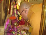 Shri Sadgurudev Ji Maharaj invokes the Lord with the Mula Mantra