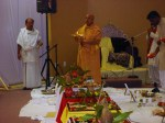 Shri Sadgurudev Ji Maharaj performs Sandhya Aarti for the Deities