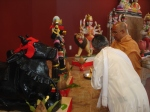Shri Sadgurudev Ji Maharaj performs puja of the Deities