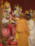 Shri Sadgurudev Ji Maharaj and Pt. Sukul perform Nyaasa for the Deity of Maha Lakshmi Mata