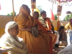 Shri Sadgurudev Ji Maharaj, Swami Swaroopanand Ji, Shri Gopal Bhag ke Mahant and in the foreground, Shri Mataji from Thakur Dwar in Sonepat