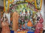 Shri Sadgurudev Ji Maharaj performing a special Agamic Puja of Thakurji