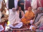 Swami Shri Gopal Sharan Devacharya Ji Maharaj welcomes Jagadguru Nimbarkacharya Shri Radhasarveshvar Sharan Devacharya Ji Shri Shriji Maharaj