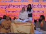 Jagadguru Nimbarkacharya Shri Shriji Maharaj with Swami Gopal Sharan Devacharya on the left and Swami Shri Ras Bihari Das Kathiya Baba on the right